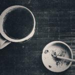 Café com gosto de cigarro